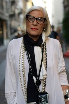 Streetstyle New York - Stil für Fortgeschrittene Style And Grace, Style Me, Style Blog, Fashion Over 50, Fashion Tips, Fashion Styles, Fashion Trends, Advanced Style, Aged To Perfection