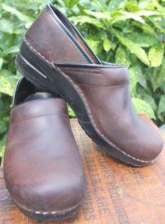 23c5d85a955 Dansko Antique Brown Oiled Leather Clogs 41 Womens Shoe 10.5-11  Dansko   ProfessionalClogs