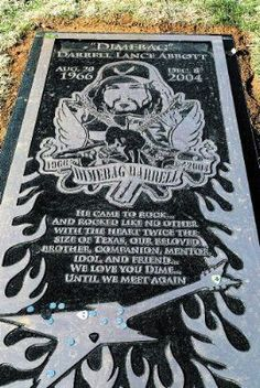 """A native of Dallas, Texas, he was the lead guitarist for the influential heavy metal group """"Pantera"""" and DamagePlan. He was Murdered on Stage At The Alrosa Villa Nightclub Columbus Ohio. Hard Rock, Dimebag Darrell Guitar, Dime Bags, Vinnie Paul, Pantera Band, Musica Country, Leelah, Famous Graves, Tonight Alive"""