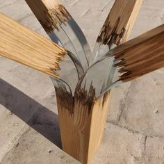 haha fake inox of wood? Wood Resin Table, Epoxy Resin Wood, Resin Art, Metal Wall Decor, Metal Wall Art, Wood Art, Diy Resin Crafts, Wood Crafts, Woodworking Crafts