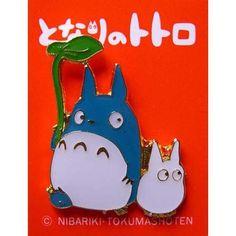 Pin Badge - Chu Totoro & Sho Totoro holding Leaf - Ghibli (new)