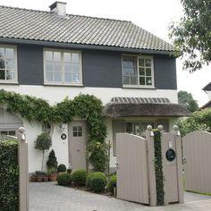 Gmlens Country House (Belgium) - traditional - exterior - - by gregory lens Design Exterior, Grey Exterior, Exterior Colors, Exterior Paint, Exterior Windows, Garage Design, Modern Exterior, House Cladding, Facade House
