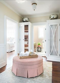 Waterfront Cottage with Stylish Interiors - Home Bunch – Interior Design Ideas Boudoir, Waterfront Cottage, Round Ottoman, Oversized Ottoman, Hallway Designs, French Interior, Luxury Interior Design, Interior Ideas, Affordable Home Decor