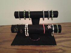 Bracelet holder made of felt and cardboard tubes