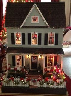 doll house My Vermont Farmhouse Decorated for Christmas Miniature Christmas, Christmas Minis, Christmas Crafts, Christmas Decorations, Xmas, Houses Decorated For Christmas, Christmas Morning, Christmas Lights, Victorian Dollhouse