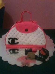 Purse cake By Dulce Galeria