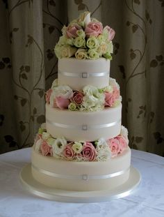 A simple cake.. with FRESH FLOWERS
