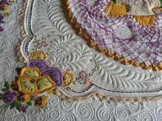 Vintage Pansy Collage Quilting | Kelly Cline Quilting