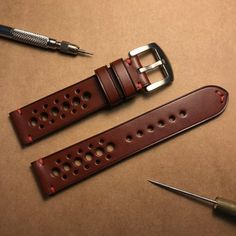 Whiskey Classic Vintage Rally Racing Watch Strap, Handmade Watch Strap, Leather Watch Strap 20mm, 22 Travel Wardrobe, Leather Design, Apple Watch Bands, Natural Leather, Leather Working, Vintage Leather, Italian Leather, Leather Craft, Watches