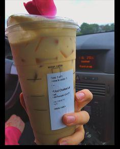 Healthy Starbucks Drinks, Starbucks Secret Menu Drinks, Yummy Drinks, Iced Chai Tea Latte, Iced Coffee, Starbucks Pumpkin, Starbucks Coffee, Coffee Drink Recipes, Coffee Drinks