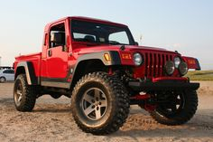 Jeep Brute. God I hope this goes into production!!  Would love to have this Jeep!!