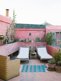 pink and green patio inspiration. / sfgirlbybay