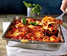 Lasagne mit Salami-Meatballs in Tomatensoße