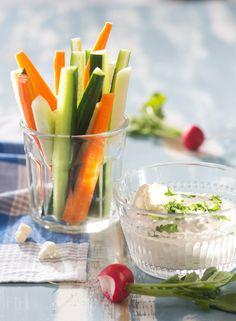 Dippikastike kasviksille | K-ruoka Kokeile kastiketta myös salaatinkastikkeena.