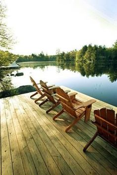 These free Adirondack chair plans will help you build a great looking chair in just a few hours, Build one yourself! Here are 18 adirondack chair diy Outdoor Spaces, Outdoor Living, Lakeside Living, Lakeside View, Lakeside Cottage, Lake Cottage, Cottage Living, Cottage Homes, Living Room