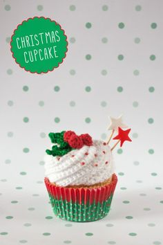 "Christmas crochet cupcake By ""I am a Mess"""