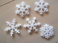 Snowflakes hama perler by smillavannilla Christmas Perler Beads, Christmas Snowflakes, Xmas Ornaments, Christmas Crafts, Perler Bead Designs, Diy Perler Beads, International Craft, Snowflake Pattern, Perler Patterns