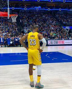 Nba Pictures, Basketball Pictures, Sports Basketball, Basketball Players, King Lebron James, Lebron James Lakers, King James, Lakers Wallpaper, Lebron James Wallpapers