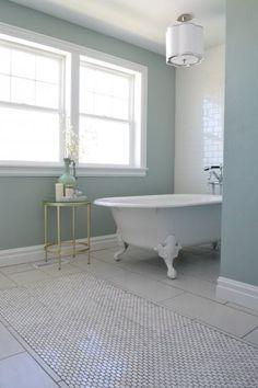 Daybreak+Holmes+Home+Clawfoot+Tub. Upstairs Bathrooms, Dream Bathrooms, Beautiful Bathrooms, Small Bathroom, Bathroom Ideas, Holmes On Homes, Budget Bathroom Remodel, Small Apartment Interior, Bathroom Interior Design