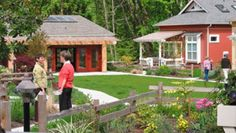 Conover Commons Cottages-Redmond-Ross Chapin/The Cottage Company. Green and common building overlooking forest. Co Housing Community, Tiny House Community, Small Dream Homes, Tiny Homes, Pocket Neighborhood, Tiny House Village, Home Design Decor, Design Ideas, Backyard Play
