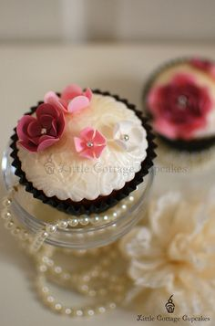 Black Romance 1 by Little Cottage Cupcakes, via Flickr