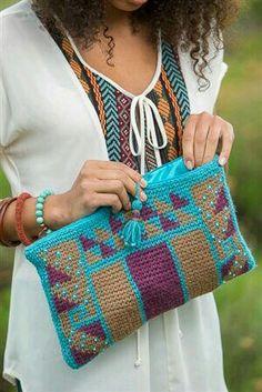 Pochette en Tapisserie au crochet, modèle de J. Erin Boland, publié dans le magazine Crochet Scene 2014 : http://www.crochetme.com/media/p/150472.aspx  Bolso de mano tapestry