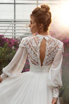 Modest Wedding Gowns, Boho Wedding Dress, Designer Wedding Dresses, Bridal Dresses, Vintage Inspired Wedding Dresses, Marvel Wedding, Dream Dress, Wedding Styles, Beautiful Dresses