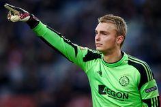 Jasper Cillessen zal zondagmiddag onder de lat staan wanneer Ajax het in Alkmaar opneemt tegen AZ. Ook Daley Blind kan rekenen op een basisplaats. De laatste WK-ganger, Joël Veltman, speelt eerst nog met Jong Ajax mee.