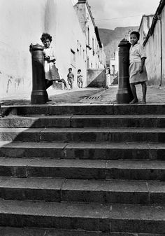 The Spirit of District Six: 32 Interesting Black and White Photographs Capture Everyday Life of Cape Town, South Africa in 1970 ~ vintage everyday Old Photos, Vintage Photos, Afrikaans Language, Cities In Africa, Cape Town South Africa, Most Beautiful Cities, Historical Pictures, African History, Spirit