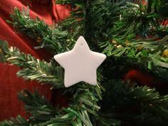Petite étoile en fimo blanche pailletée , Découvrez my Etsy shop https://www.etsy.com/fr/shop/FeePlaisir et mon blog feeplaisir.wordpress.com