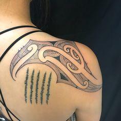Freehand Ta moko telling a story for each client. Not one Ta Moko is t Tribal Hand Tattoos, Hawaiian Tribal Tattoos, Dream Tattoos, Body Tattoos, Woman Tattoos, Places For Tattoos, Tattoos For Guys, Samoan Tattoo, Thai Tattoo