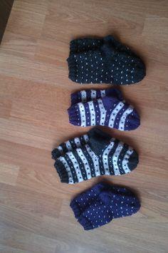 strikka sokker til barnebarna Gloves, Fashion, Moda, Fashion Styles, Fashion Illustrations