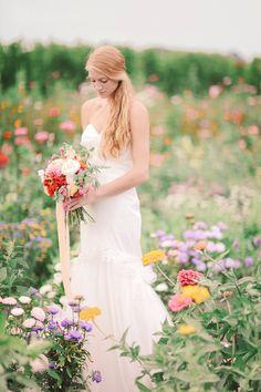 breath taking wedding photography by ElizaJean Photography #weddingpictureideas #wildflowers #romantic