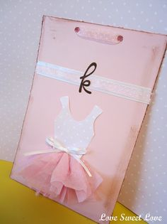 Adorable invitation how to! Great DIY party ideas.