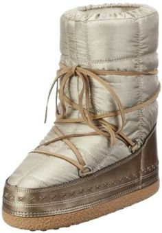 Bogner champagne coloured moon boots