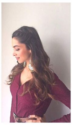 Wedding hairstyles indian open 37 Trendy Ideas - Hairstyles for medium length hair Saree Hairstyles, Open Hairstyles, Celebrity Hairstyles, Bride Hairstyles, Hairstyles Haircuts, Updo Hairstyle, Deepika Padukone Hairstyles, Long Hair Wedding Styles, Wedding Hair Down