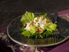 Juustoinen Waldorf-salaatti Cabbage, Vegetables, Ethnic Recipes, Christmas Foods, Christmas Ideas, Christmas Dinner Prayer, Vegetable Recipes, Cabbages, Collard Greens