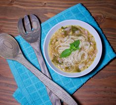 My favorite comfort food is a giant bowl of easy homemade pho. Honestly, I could eat this soup in 100 degree weather, it's that good. Healthy Soup Recipes, Pho Recipe Easy, Asian Recipes, Ethnic Recipes, Hoisin Sauce, Soup And Sandwich, Chicken And Vegetables, Clean Eating