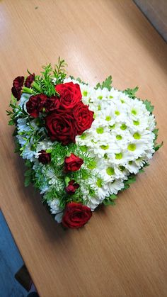Moje dzieło Funeral Flower Arrangements, Funeral Flowers, Tulips, Floral Wreath, Wreaths, Crafty, Ideas, Fashion, Rose Flower Arrangements