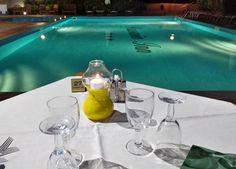 Cena a bordo piscina Terrazzo, Outdoor Decor, Home Decor, Dinner, Decoration Home, Room Decor, Home Interior Design, Home Decoration, Interior Design