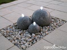 Flower Bed Borders, Flower Beds, Back Garden Design, Japan Garden, Pebble Stone, Exterior Makeover, Landscaping With Rocks, Garden Stones, Grey Stone
