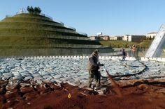 Pompaggio del substrato Agriterram in cantiere - giardini pensili Parco Portello - Milano - #giardinipensili #greenroof  #portello #milano #parcoportello #substrati #verdepensile