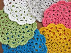scalloped edges~ doili, circles, rug, colors, crochet project, crochet doiles, crochet dollies, crochet circl, color therapi
