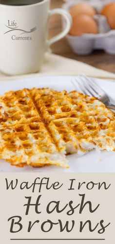 Waffle Iron Hash Browns - make your own crispy crunchy and delicious hash browns. - Waffle Iron Hash Browns – make your own crispy crunchy and delicious hash browns the easy way, in - Mini Waffle Recipe, Waffle Maker Recipes, Waffle Toppings, Hashbrown Waffles, Potato Waffles, Potato Hash, Breakfast Party Foods, Best Breakfast, Recipes