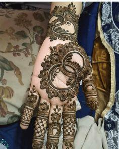 Mehndi Designs: Best Simple Mehendi Designs for Hands 2019 - Tattoo MAG Mehndi Designs Finger, Khafif Mehndi Design, Floral Henna Designs, Back Hand Mehndi Designs, Stylish Mehndi Designs, Mehndi Designs For Girls, Mehndi Designs For Beginners, Mehndi Design Photos, Dulhan Mehndi Designs