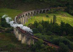 20 ponts impressionnants par leur beauté qui ont traversé les époques Le viaduc de Glenfinnan en Ecosse