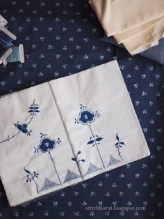 Royal Copenhagen embroidery Hand Embroidery, Embroidery Designs, Blue And White China, Royal Copenhagen, China Patterns, Floral Motif, Hand Stitching, Needlework, Quilts