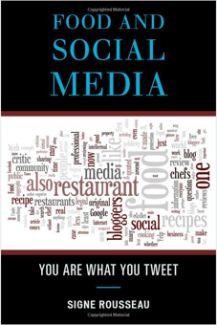 음식과 소셜 미디어 | 136페이지, 2012년 6월 출간, 8.8 x 5.9 x 0.5 inches |  음식의 세계와 소셜미디어 (페이스북, 트윗등) 의 상호의존관계를 살펴보는 책이다. 가볍고 유머감각 넘치는 글과 구체적인 사례가 대중적인 어필을 제공한다. 대부분의 경우 미국에서 영어로 쓰여진 음식 블로깅과 랭킹 사이트등에서 비롯된 사례이지만 한국에서도 비슷한 경험을 쉽게 찾아볼 수 있다. 소셜 미디어의 역활과 영향력을 소개하기 위해 이 분야의 간략한 역사에 대한 정보도 제공해 준다. 유명한 요리사들의 트윗 전쟁, 레시피의 저작권과 표절분쟁, 음식 사진을 블로깅하는데 적용해야 하는 윤리적 기준및 급속도로 발전하고 다양해지는 음식 블로깅과 소셜미디어에 대한 현주소와 미래에 대한 영감을 얻을 수 있다...