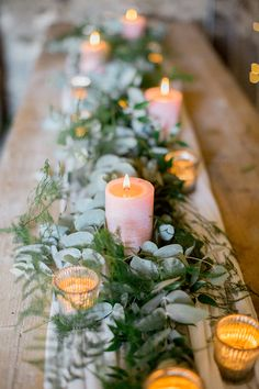 Pink greenery wedding table