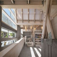 The Public Library is part of a public-private initiative taken to rebuild Constitución after the 8.8 degrees earthquake and Tsunamithat devastated the town duringthe year 2010. With regard to the formalization of the project; it...